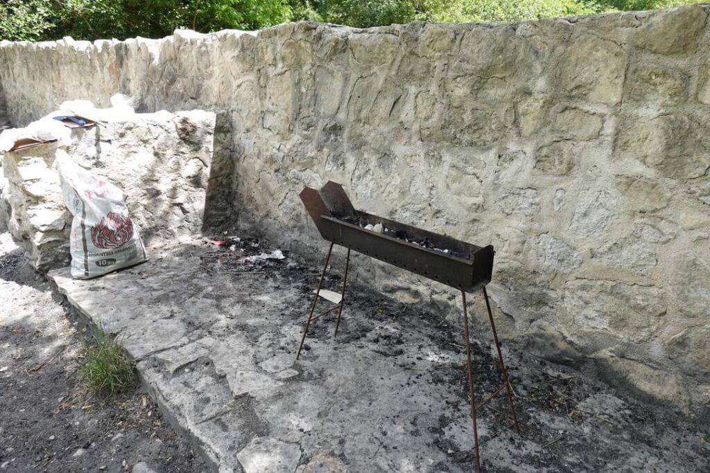 sorgenti fiume lavino area barbecue 2